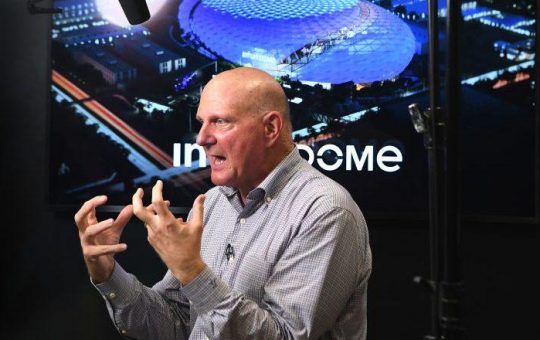 Steve Ballmer talks keeping up optimism, new building for Clippers